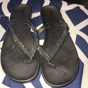 Mossimo black flops size 9.5